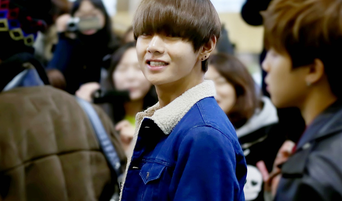 Kpop Idol with Fabulous Airport Fashion : BTS V