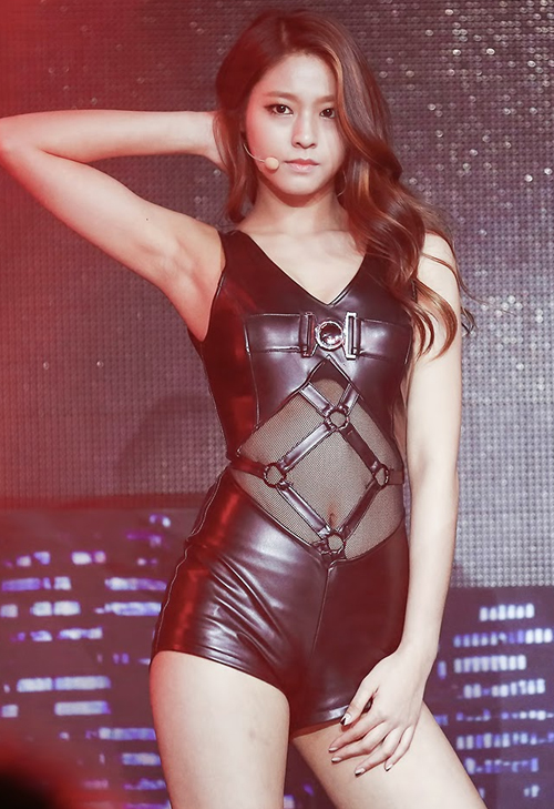 kpop sexist outfit seolhyun