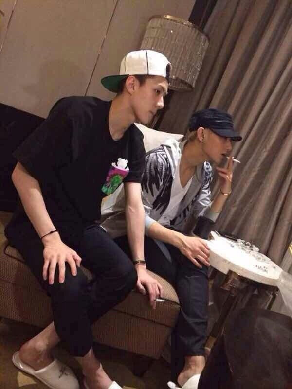 exo sehun smoking