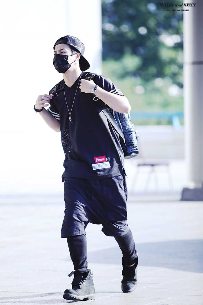 GOT7-JACKSON-AIRPORT-FASHION