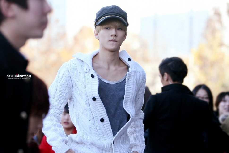 sehun exo idol boys big shoulders