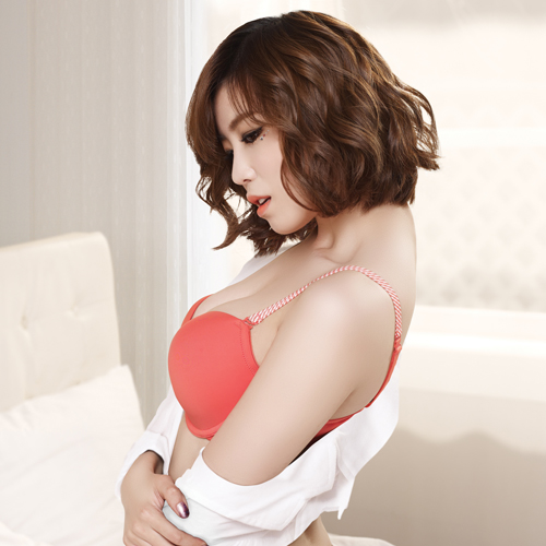 jun hyosung lingerie
