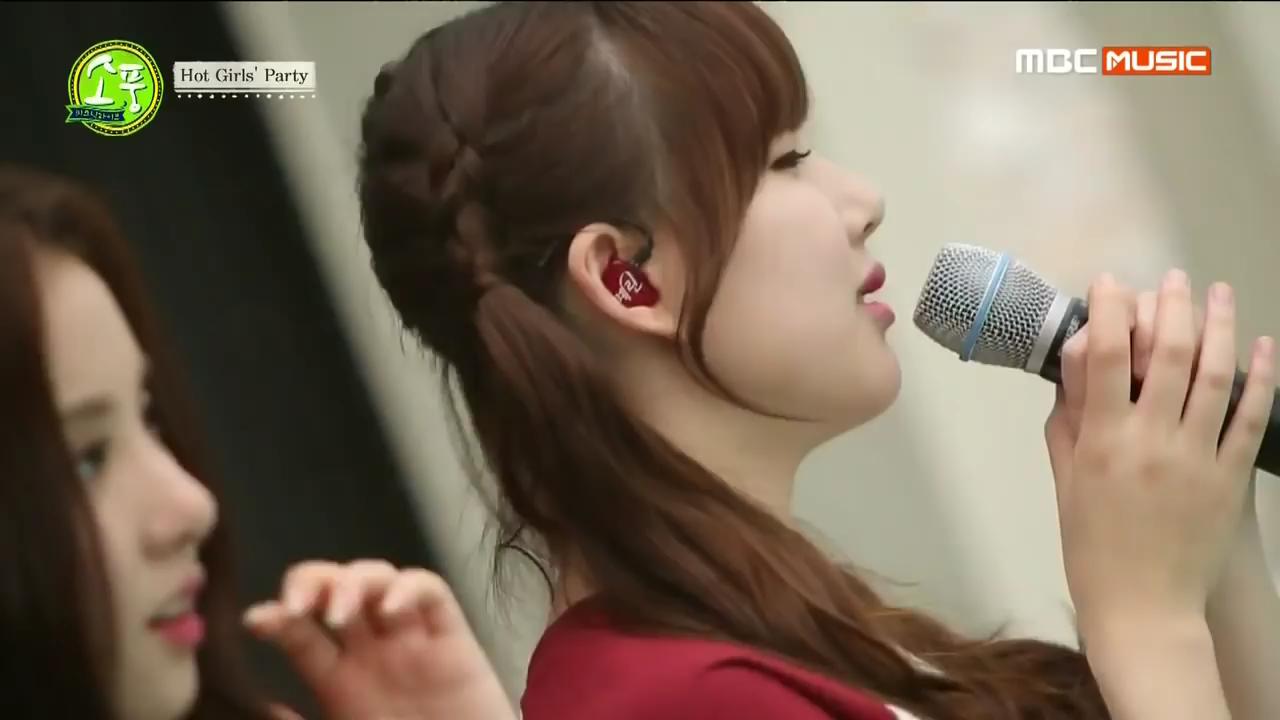 10 Things K-Pop Idols' Customized In-Ear Monitors