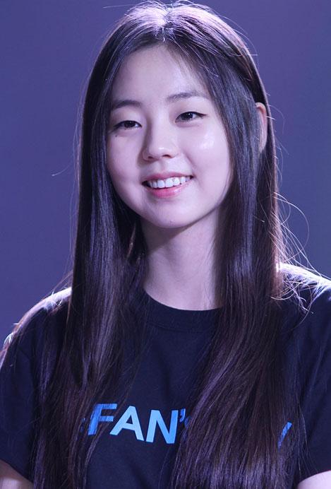 Pleasant Korean Beauty Tip Tuesday Top 10 K Pop Hairstyles To Captivate Short Hairstyles Gunalazisus