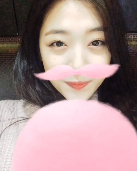 Cutest K-Pop Idols Using SnapChat and Snow Filters