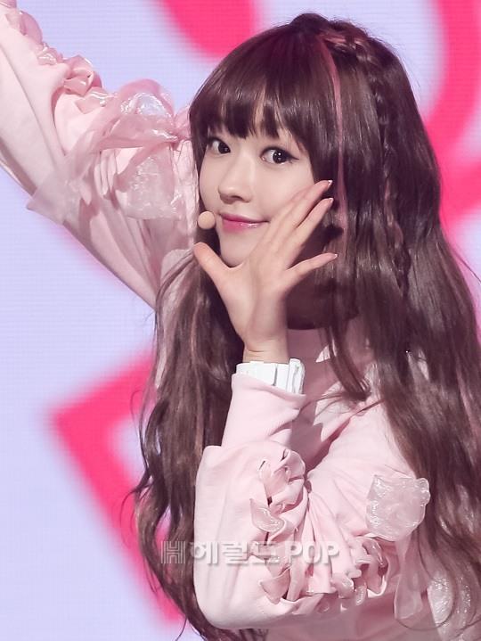 kpop monolid idols, kpop idols with monolids, kpop idol eyes, kpop idol beautiful eyes, kpop beautiful eyes, bts v eyes, lovelyz jisoo eyes, xiumin eyes, omg yooa eyes, sohee eyes, jonghyun eyes