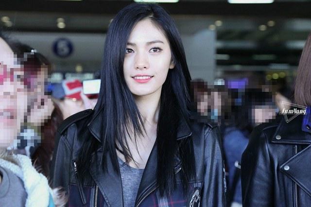 13 K-Pop Idol Girls Who Slay the Midnight Dark Hair