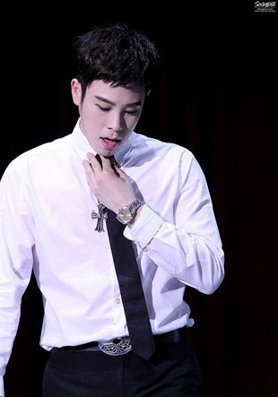 7 K-Pop Male Idols in Dress Shirts Who are Drop Dead Sexy