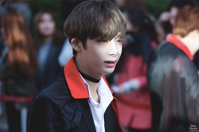 kpop, kpop idols, kpop male idols, kpop male idols side profile, kpop side profiles, kpop beauty, kpop pretty, kpop pretty idols, hyungwon 2016