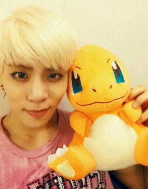 kpop, kpop idols, kpop dolls, kpop idols characters, kpop idol character, kpop idol character dolls, jonghyun doll