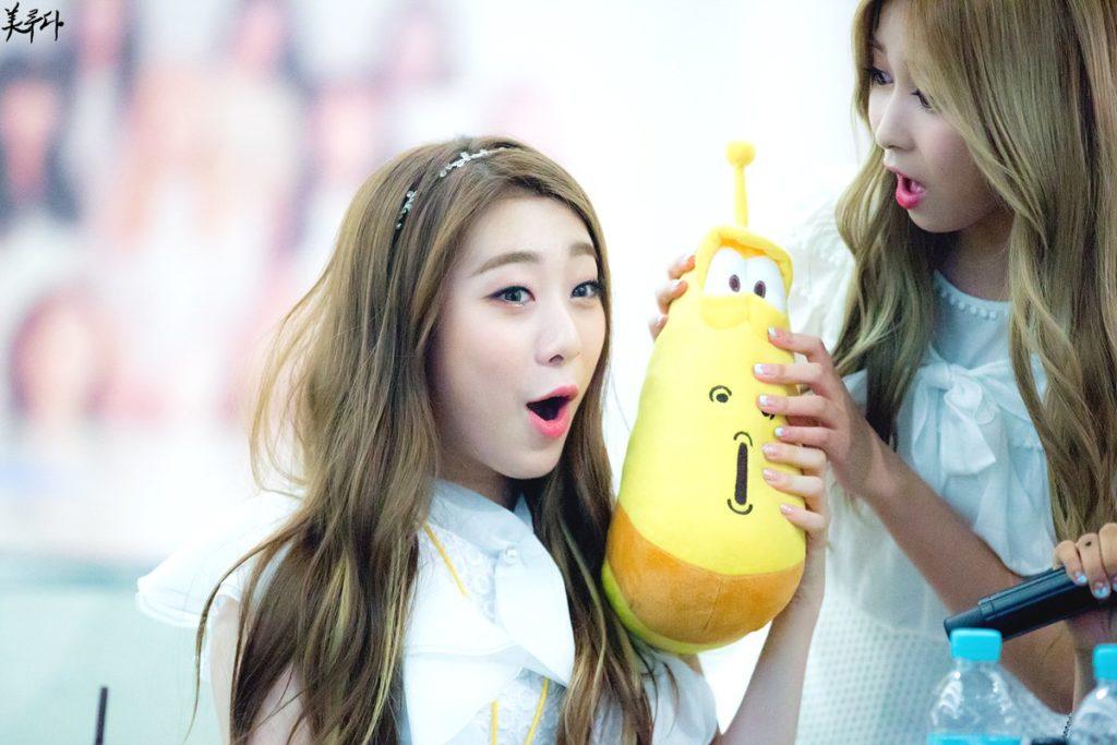 kpop, kpop idols, kpop dolls, kpop idols characters, kpop idol character, kpop idol character dolls, yeonjung doll