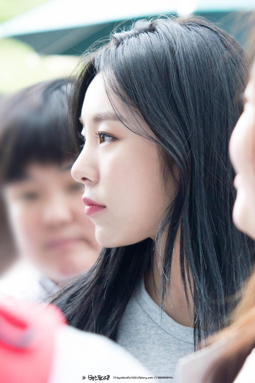 kpop idols, kpop idol girls, pretty idols, pretty kpop idols, kpop side profile, pretty side profile idols, wheein side profile