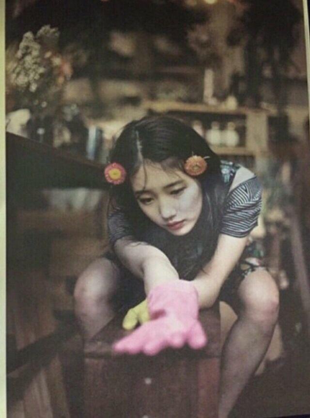 """Suzy Gets Involved in """"Lolita"""" Controversy"""