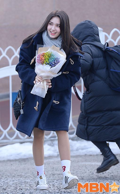11 K-Pop Idols Graduating High School This Week 2017