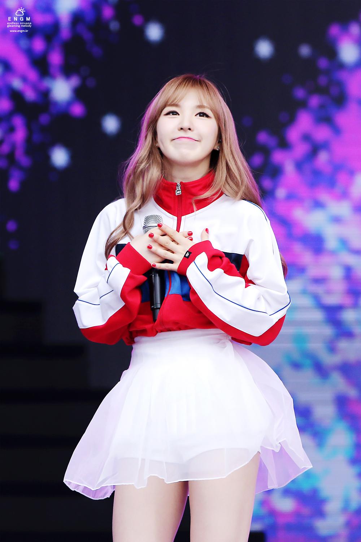 kpop idol girls cutest dimples red velvet wendy