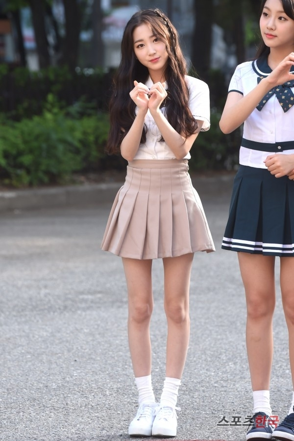 A Rookie Girl Idol Who Weighs Only 37kg Just Debuted