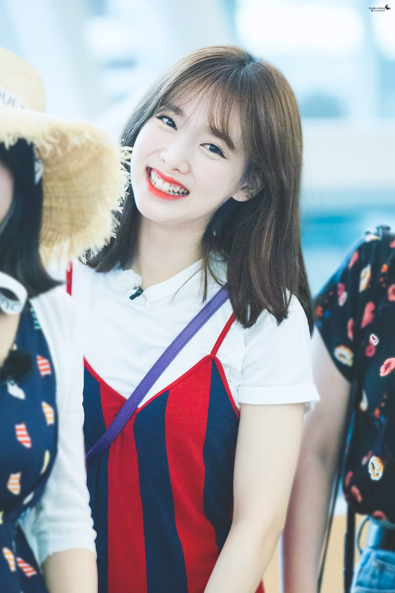 Top 4 Female Members Who Mainly Start The Beginning Of Songs