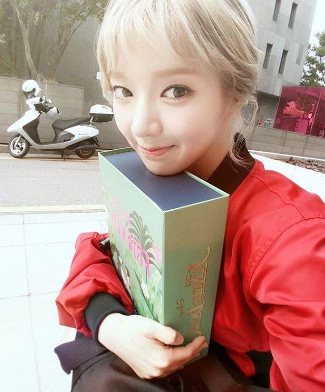Female K-Pop Idols Who Look Amazing With Short Hair