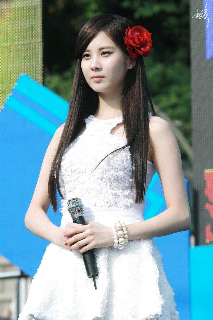 Top 3 Female Idols Who Always Keep Upright Posture