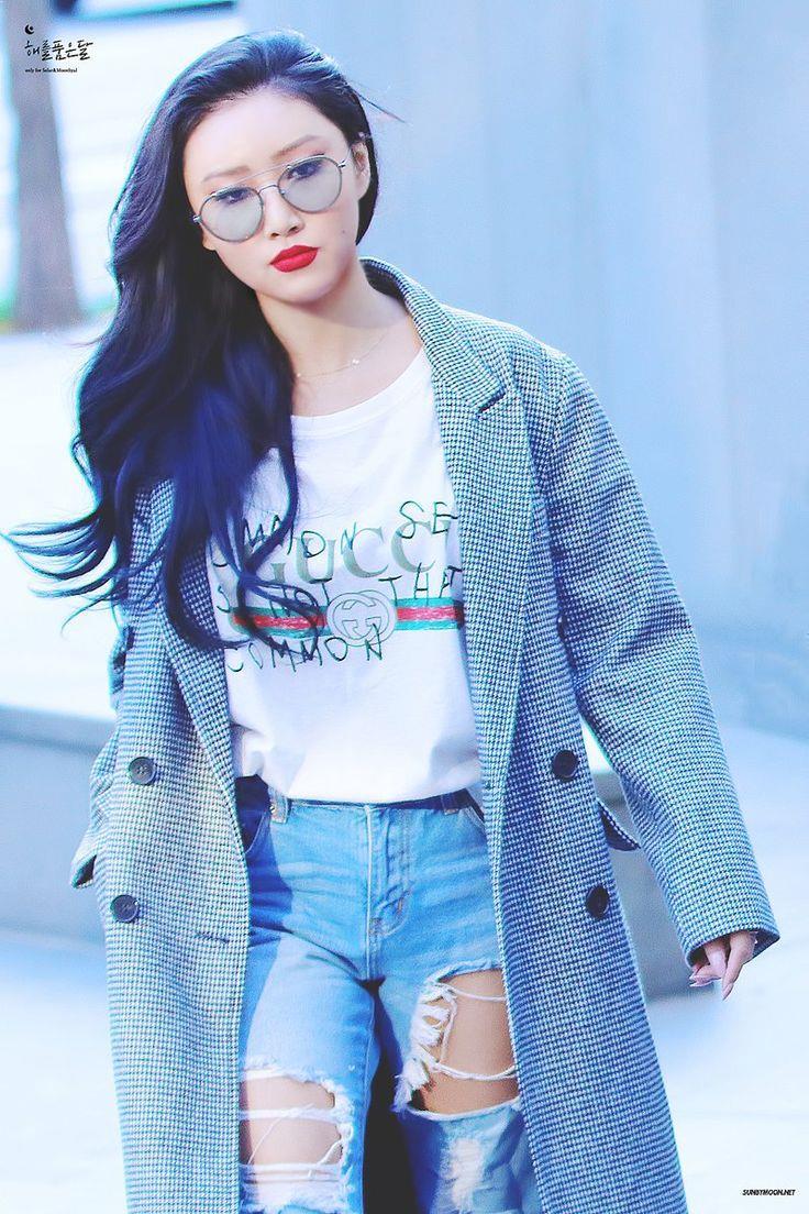 9 Female K-Pop Idols With Luscious Red Lips