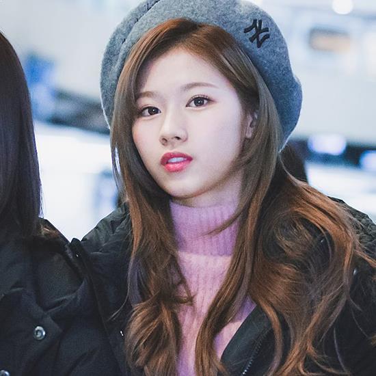 9 Female K-Pop Idols That Define Beauty In South Korea