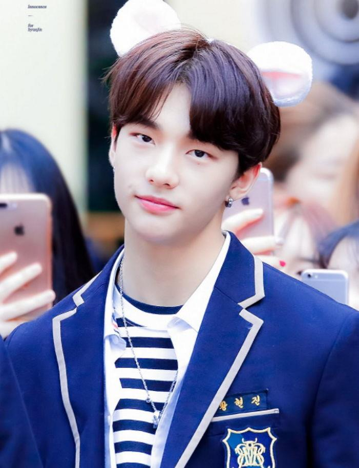 Stray Kids Dress Up In School Uniforms To Go Out In Public, Only To Be Instantly Spotted By Fans
