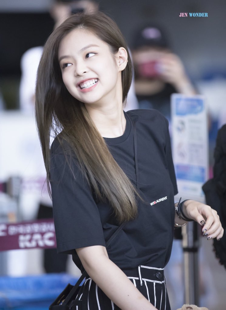 BLACKPINK, BLACKPINK Profile, BLACKPINK Jennie, BLACKPINK Jennie, Jennie Cheeks, KPop Idol Cheeks