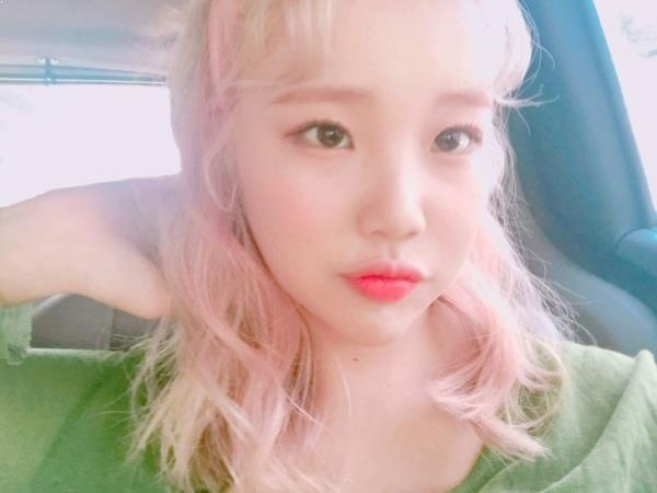 Momoland JooE's Story Of How A Good Samaritan Helped Her During Debut Period