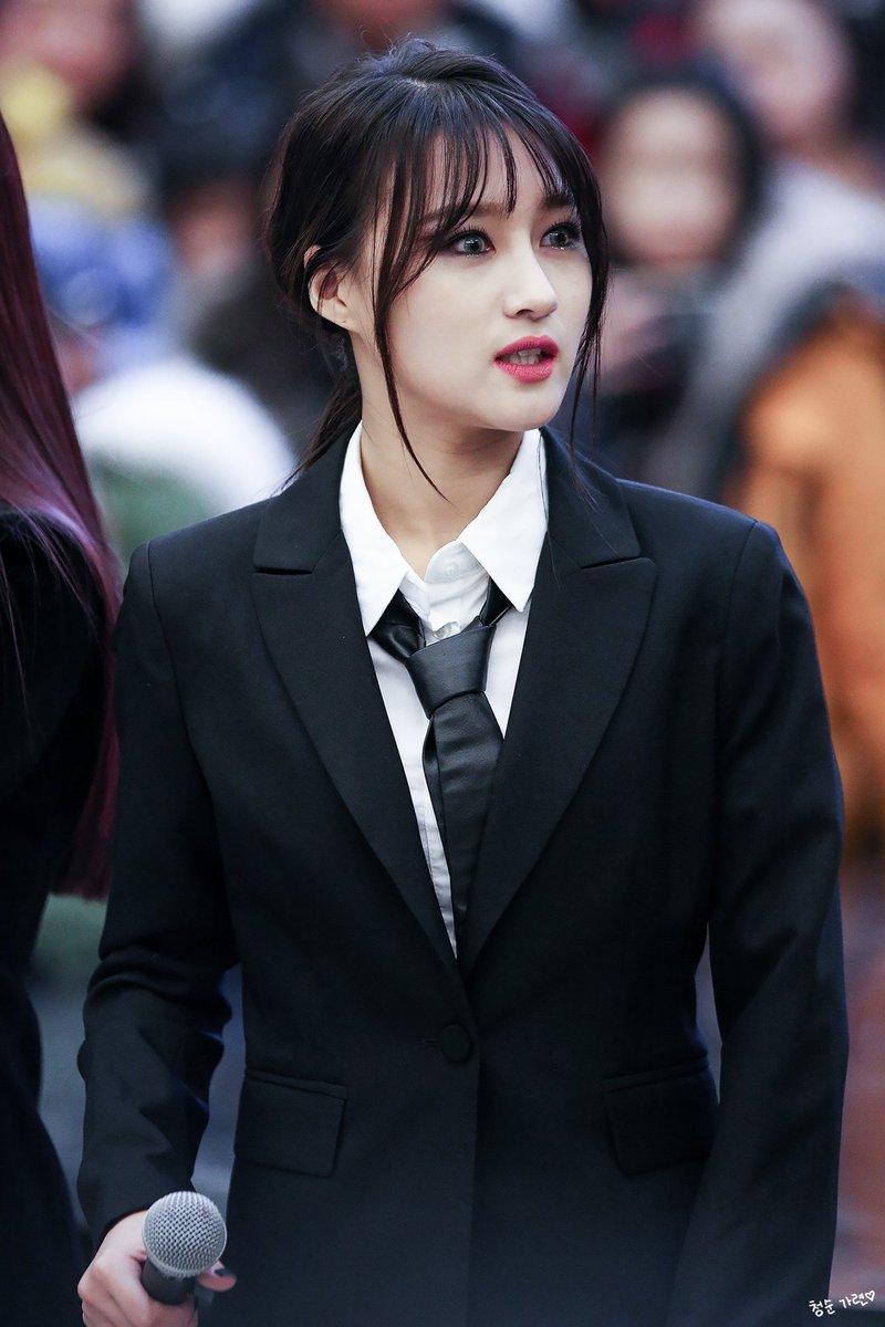 dreamcatcher suit, girl group suit, red velvet suit, gugudan suit, clc suit, clc black dress suit, wjsn suit, snsd suit