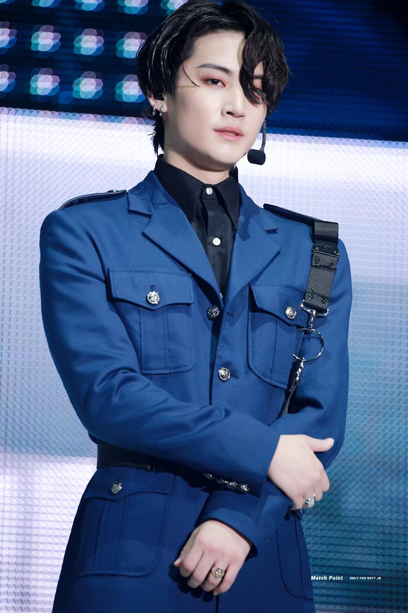 16 K-Pop Idols Wearing Officer Uniforms