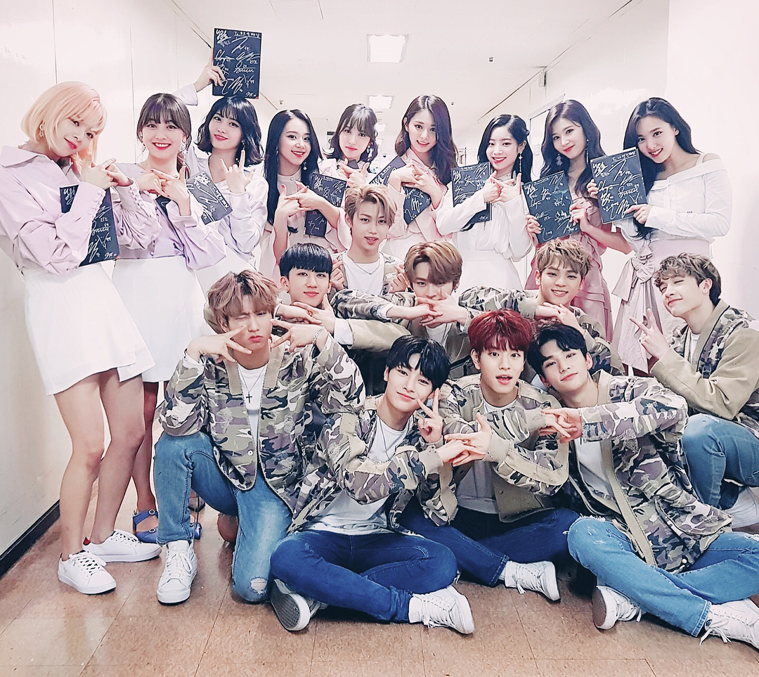 "Stray Kids Congratulates TWICE For Winning First At ""Show ..."