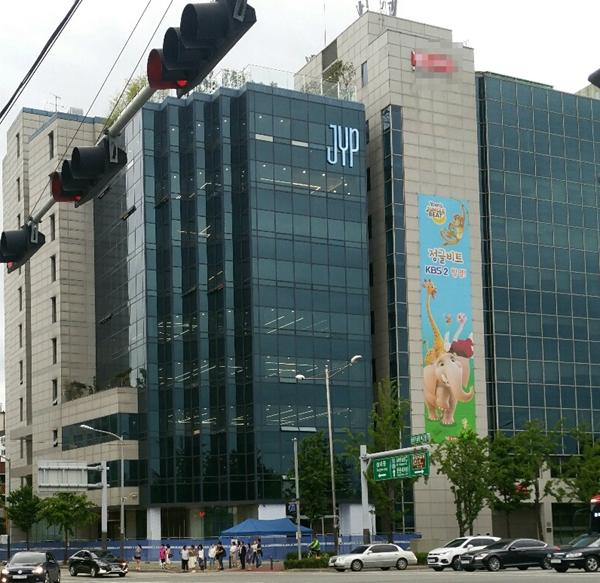 exok_The Reasons Why JYP Entertainment Moved The Location Of Their HQ | Kpopmap