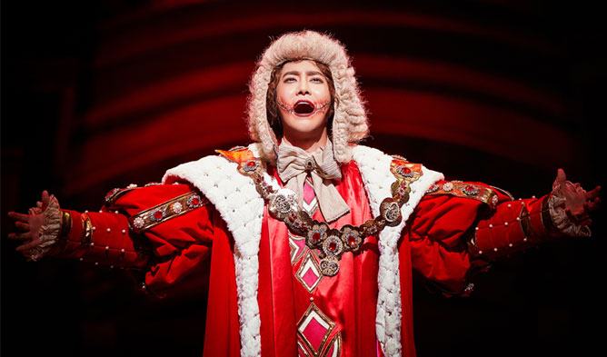 """EXO's SuHo Wows With Extreme Transformation For Musical """"The Man Who Laughs"""" 