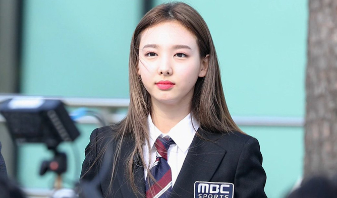 twice, twice nayeon, twice facts, twice members, twice isac 2018, isac 2018, twice members