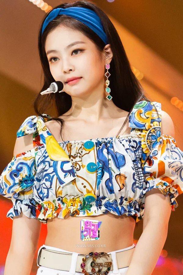 blackpink jennie, jennie fashion, twice jihyo, jihyo fashion