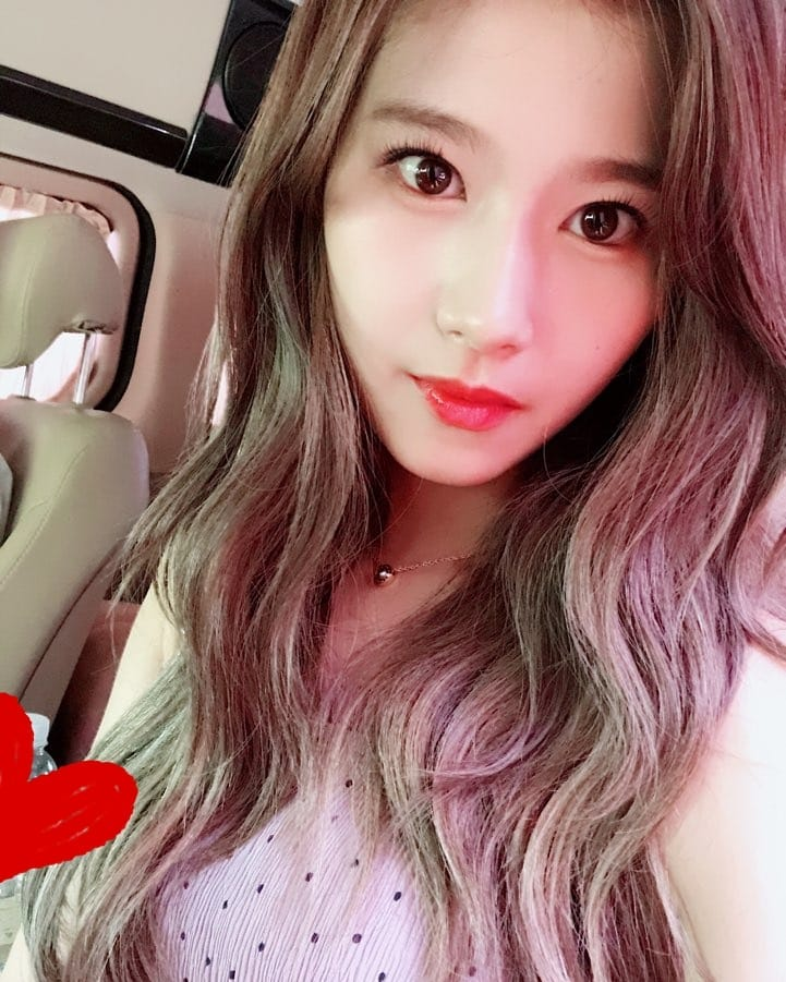 TWICE Flaunt Their Lovely Visuals In New Selfie Photos