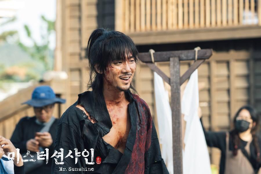 "Yoo YeonSeok Looks Like He Comes From A Comic On The Set Of ""Mr. Sunshine"""