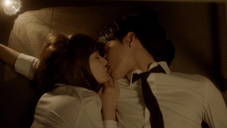 ASTRO's Cha EunWoo Kiss Scene In Urban Zakapa MV Caused Fans To Go Frenzy