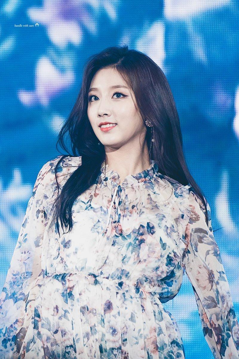 lovelyz, lovelyz profile, lovelyz facts, lovelyz weight, lovelyz members, lovelyz height, lovelyz age, lovelyz weight, lovelyz yein, yein