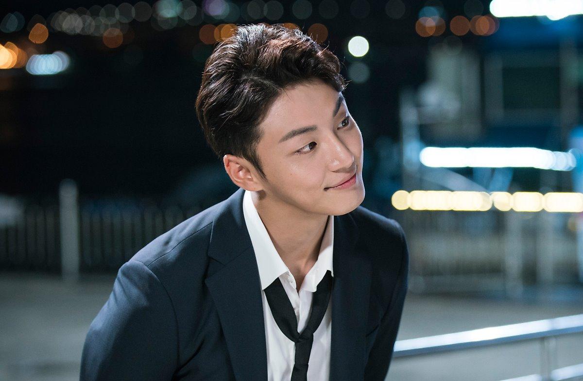 most handsome korean actors, handsome korean actors, yoon shiyoon