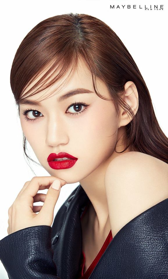 Weki Meki's DoYeon Brings Out Her Charisma In New Maybelline Pictorials