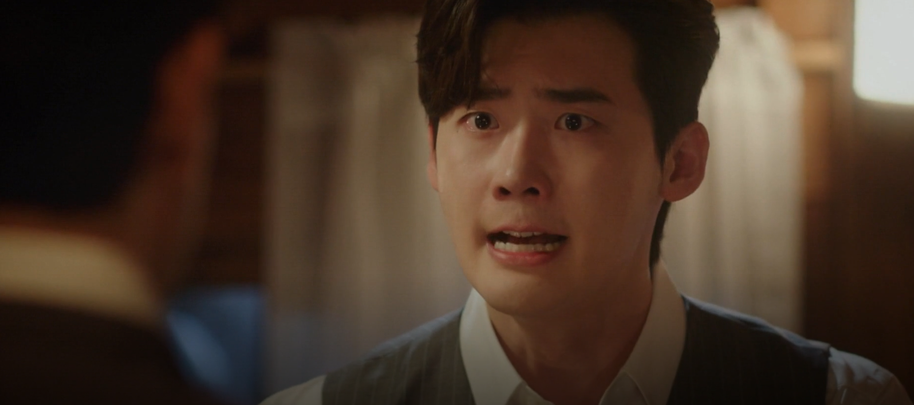 "Lee JongSuk's Heartbreaking Scene Got Viewers About To Cry In Episode 2 Of ""Hymn Of Death"""