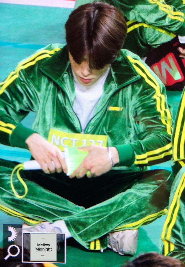 """NCT's JaeHyun Caught Analyzing The Lightstick During """"ISAC 2019"""" Seollal Recording"""