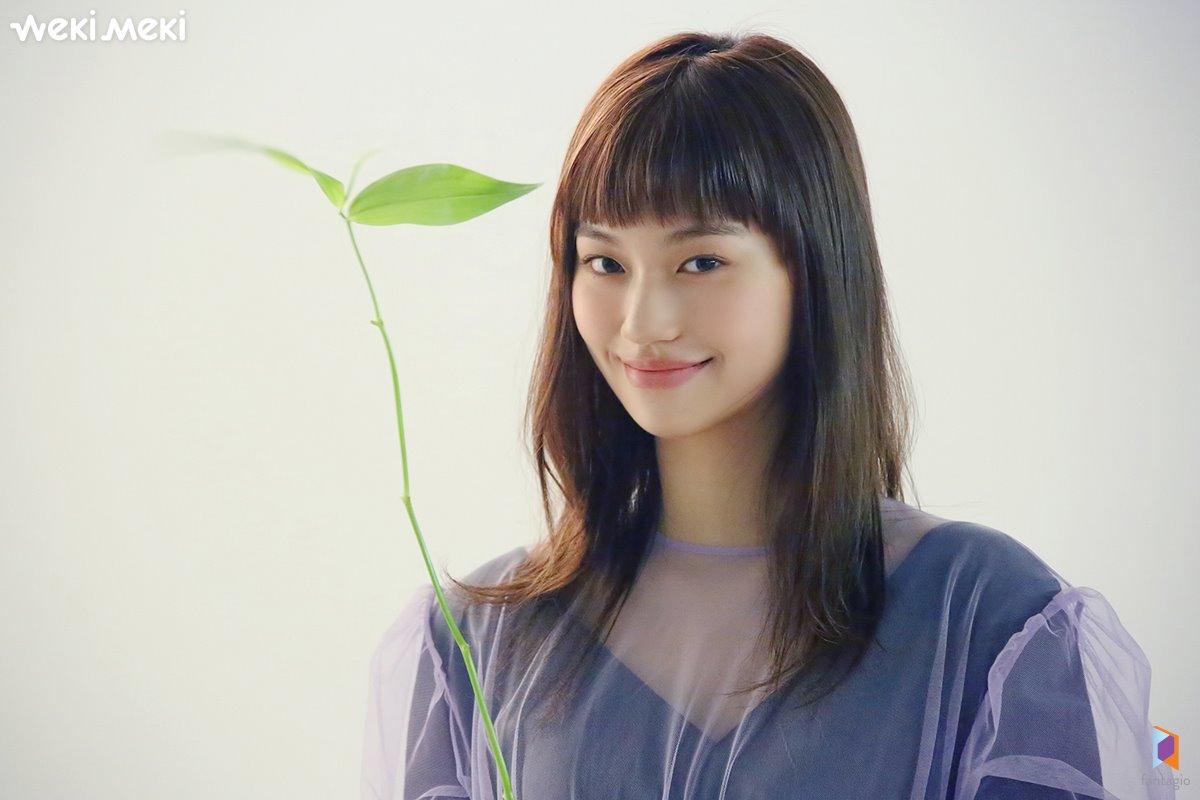 Weki Meki DoYeon, Marie Claire Behind Cut Jan. 2019