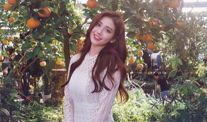 jeon somi, jeon somi profile, jeon somi facts, jeon somi age, jeon somi black label, the black label, jyp, jeon somi jyp
