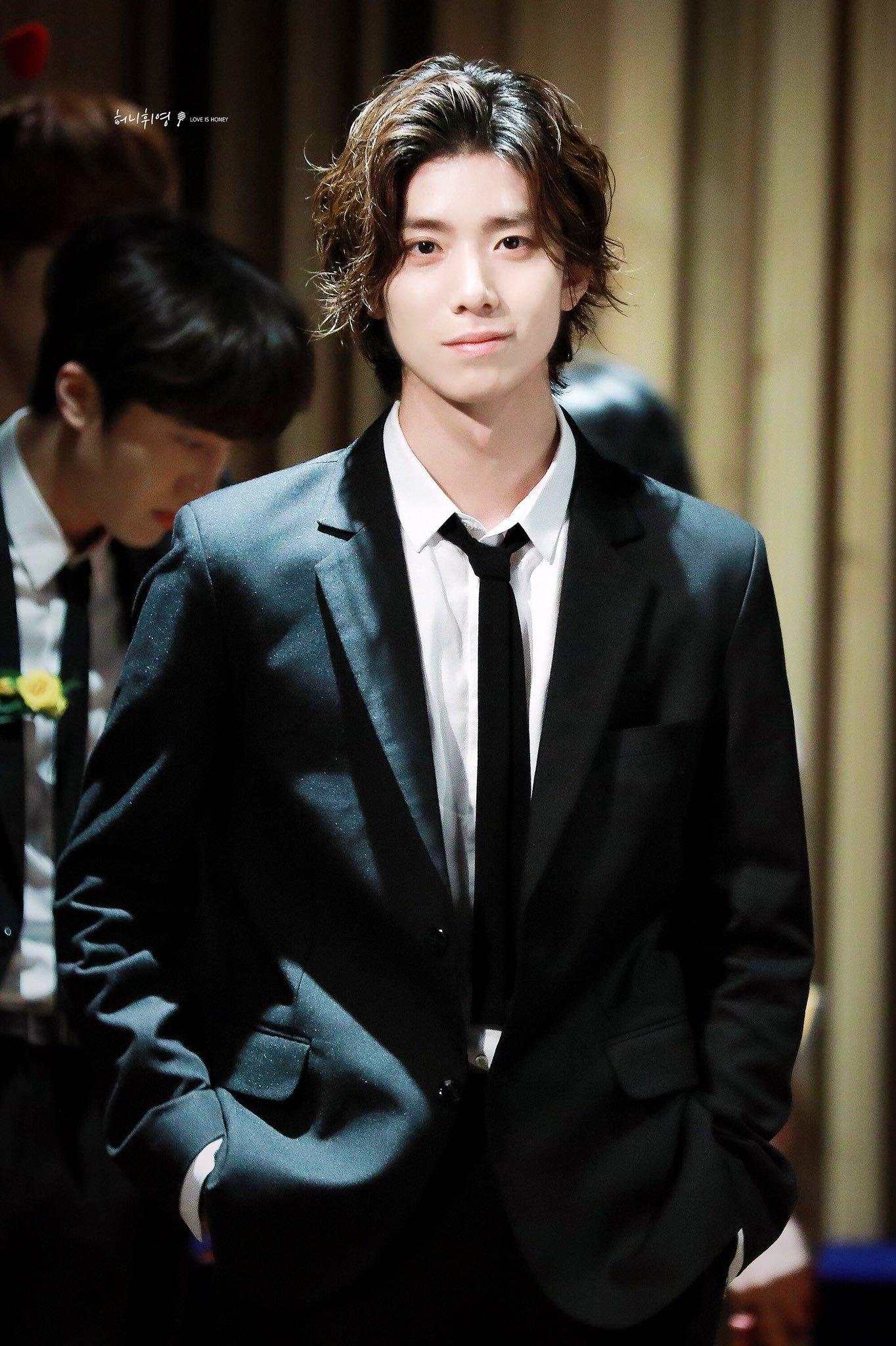 sf9 hwiyoung, hwiyoung hairstyle, hwiyoung