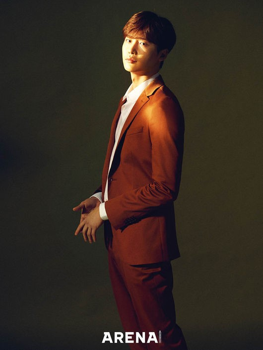 Before enlistment Lee Jong Suk gave the audience a set of photos for ARENA HOMME magazine in April
