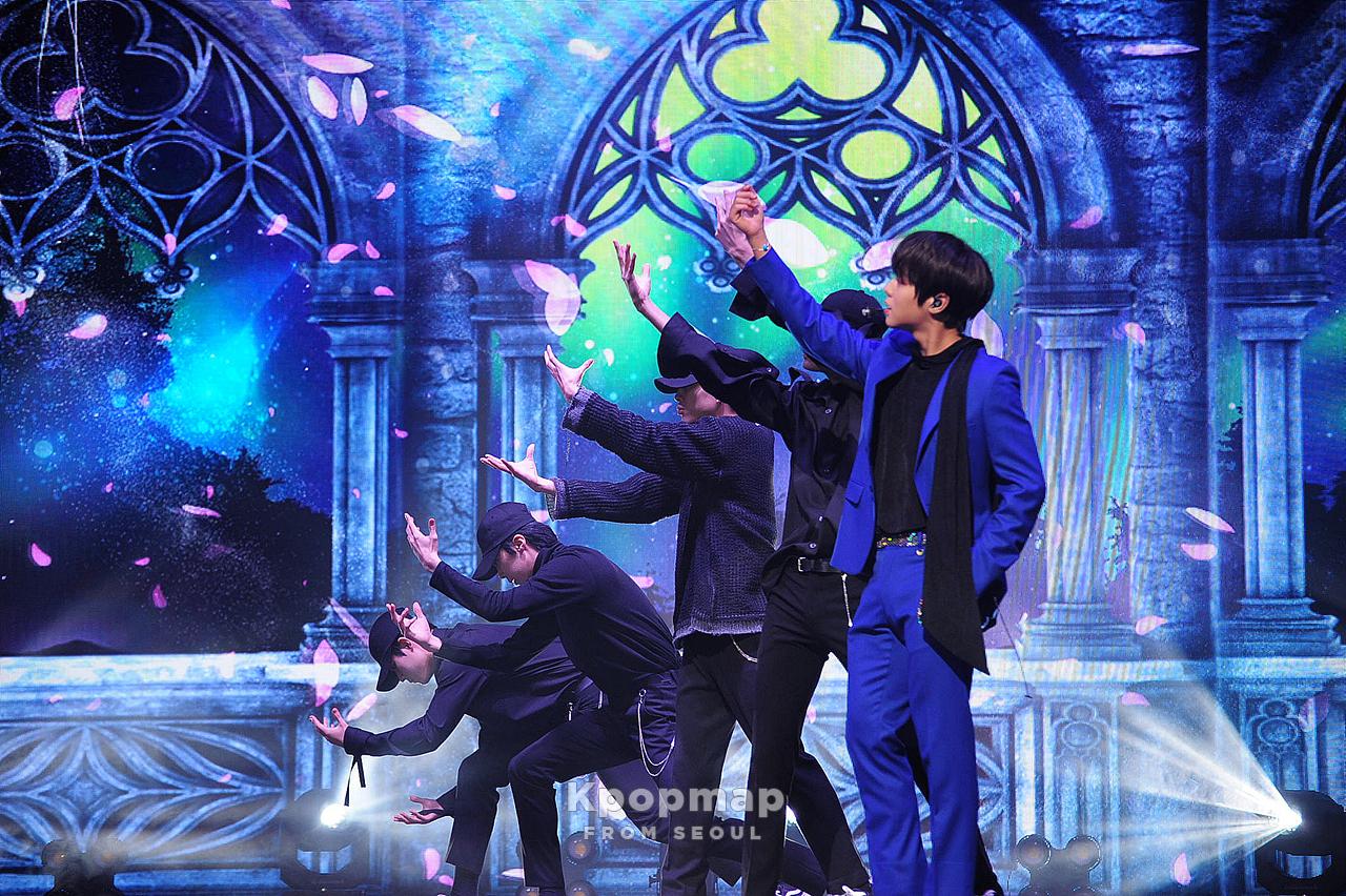 Exclusive Review: Park JiHoon 1st Mini Album [O'CLOCK] Press Showcase
