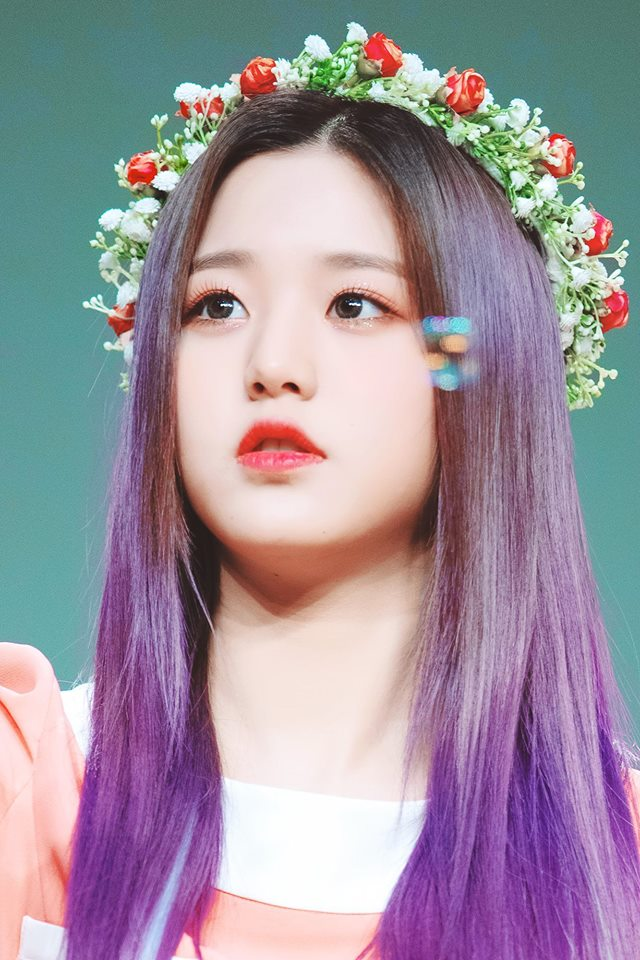 IZ*ONE's Jang WonYoung Looks Like A Forest Fairy