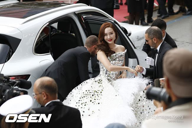 """Netizens Insult Jessica & Says She Had Plastic Surgery Recently To Look More Like """"A F***ing Chink"""""""